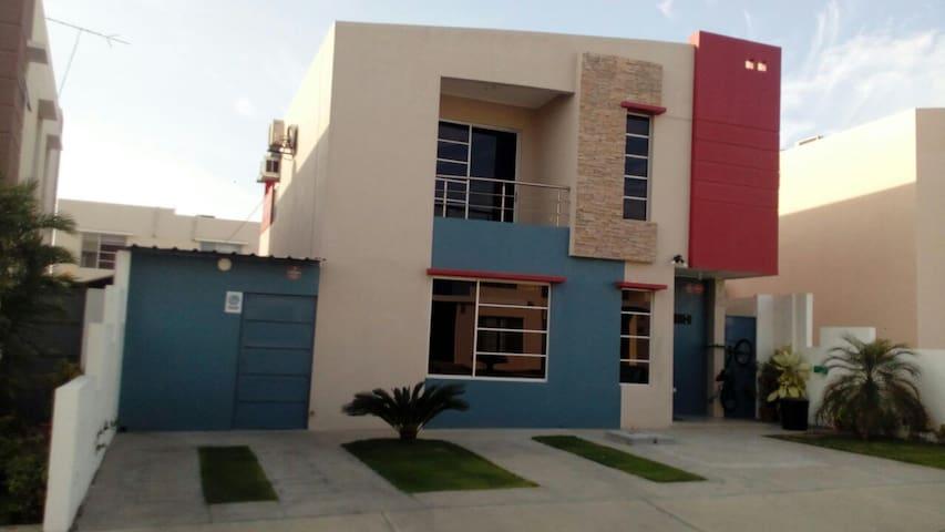 Habitación en Villa Real Manta - Manta - Casa