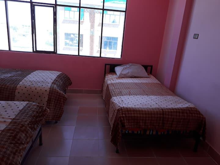 Habitación compartida, 4 camas (incluye desayuno)