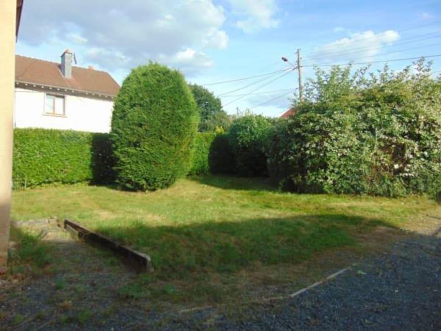 Entre vous vosges houses for rent in brouvelieures for Amenagement jardin 1000m2