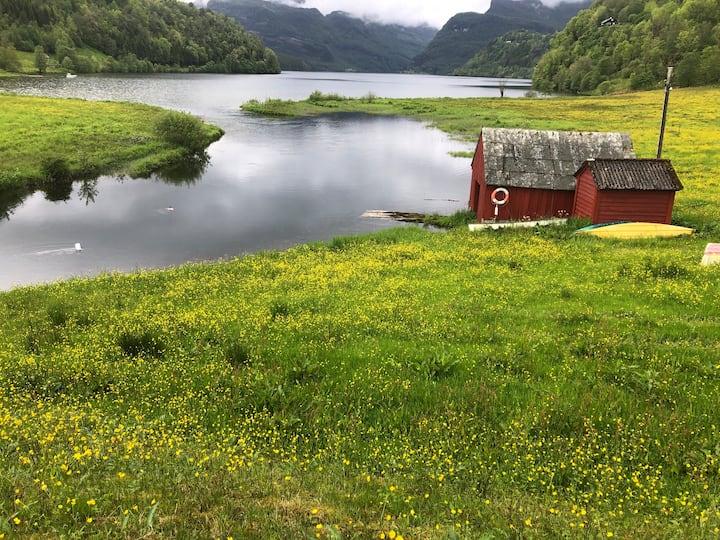 Nostalgisk ro og fantastisk fjordutsikt