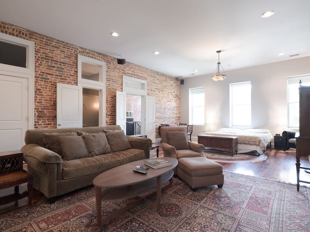 Butchers Hill/Baltimore/ Private ,Cozy & Clean