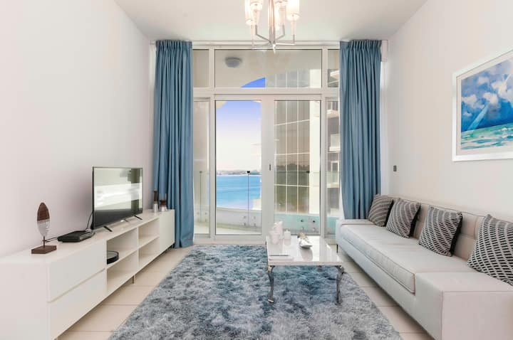 Luxury Sea View 1 BR Apt- Royal Bay, Palm Jumeirah