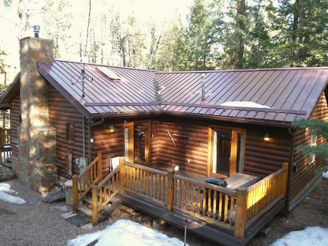 Branding Iron Cabin - Greer - Cabana
