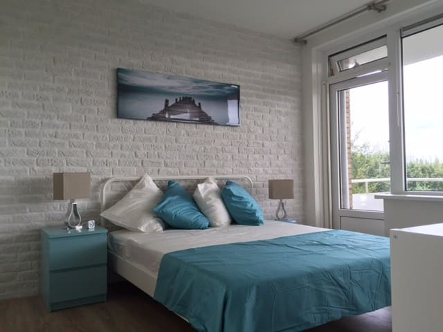 "Work and relax in our ""Beach and Ocean"" apartment! - Rijswijk - Appartement"