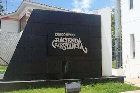 Casa vacacional, Condominio La Estancia - Melgar - Melgar - Casa