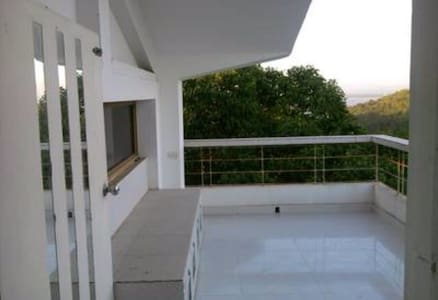 Spacious valley view  studio - Dabolim - Huoneisto