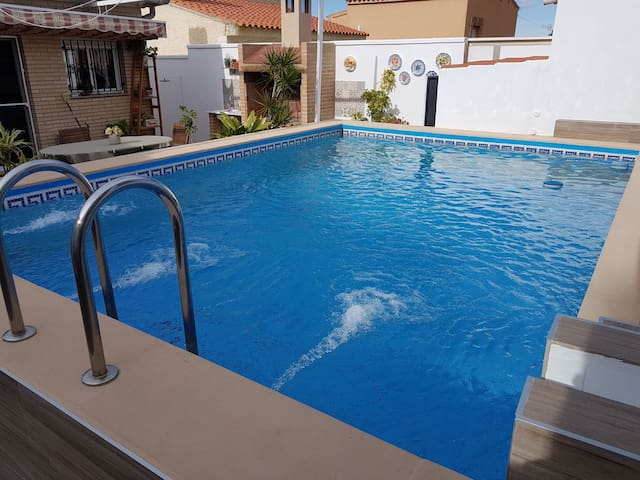Acogedor apartamento c/piscina cerca de Valencia