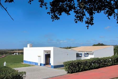 """""""Maningue Nice"""" house - Cuba - Casa de camp"""