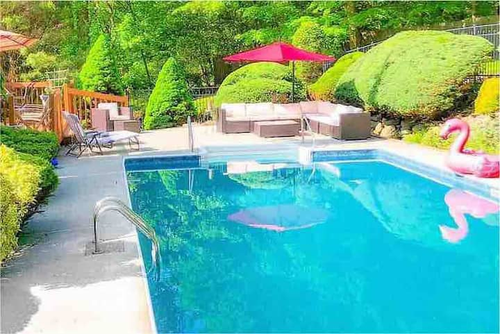 """THE HILLTOP""-1 Acre-NYC/West Point-Heated IG Pool"