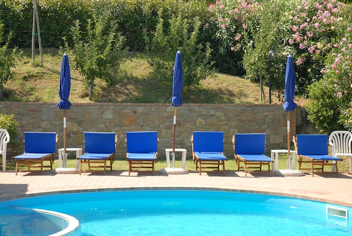 Apartment 2+2 with swimmingpool, AC and wifi