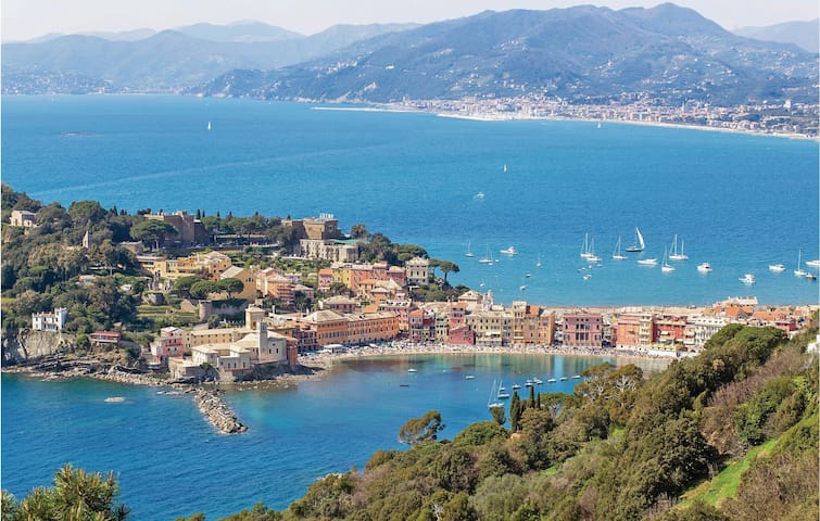 Holiday apartment with 1 room on 36 m² in Sestri Levante -GE-