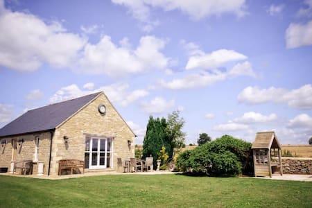Tranquil Countryside Barn Conversion near Bath