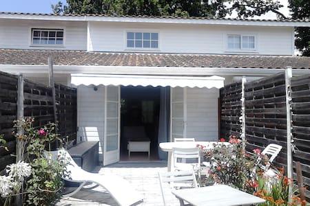 t2  en duplex confortable avec jardinet - Andernos-les-Bains