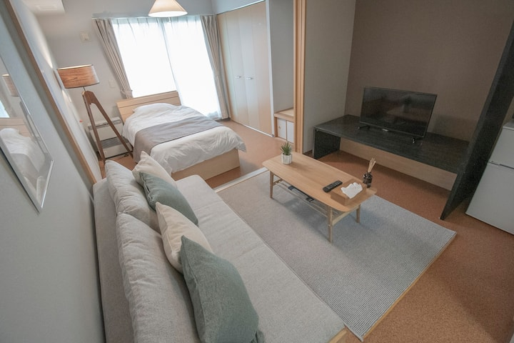 Near Otaru Canal/Sushiya-dori & Hanazono entertainment district walking distance/Indoor barrier-free/Max3ppl/Free parking/WIFI/C2