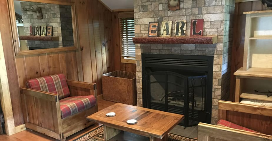 Earl Covey Cottage at Covewood Lodge