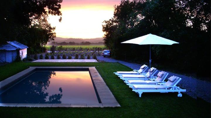Vineyard Vista, Modern Farmhouse Cottage with Pool