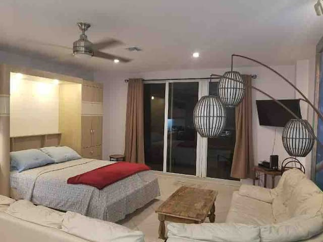 Beach studio apartment with private pool and beach
