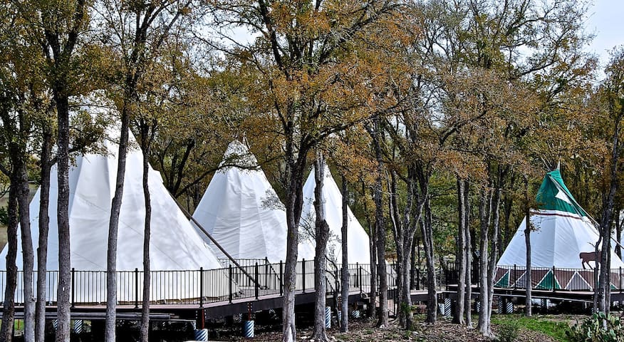 Tipi 3 - Glamping at MLF Community First Village