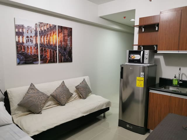 Brand New 1BR Studio Unit at Silk Residences
