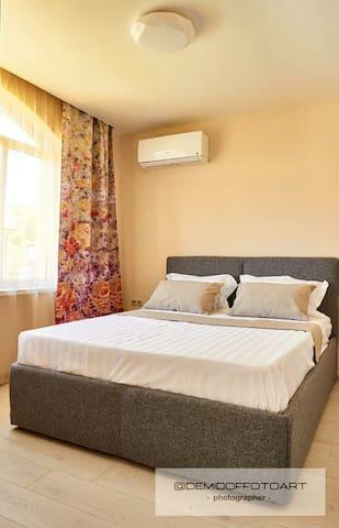 3-х местный номер, кровать + диванчик