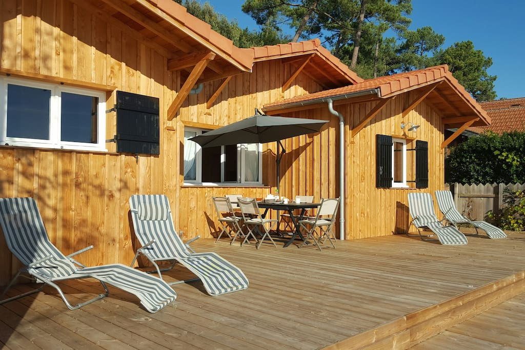 Repas sur la terrasse face à la mer !