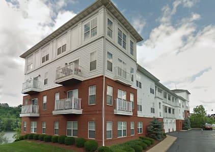 Waterfront 151320120 - Munhall - Apartmen