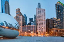 """The apartment is located close to the famous cloud gate """"the bean"""""""