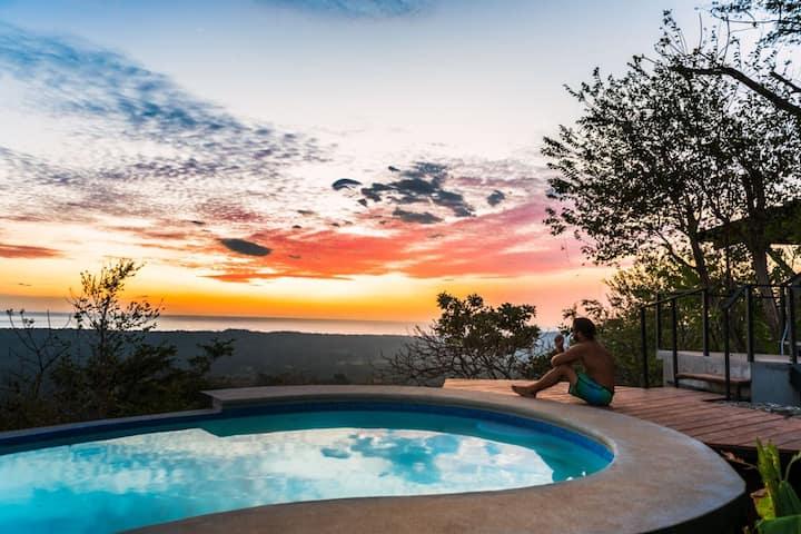 Ocean View Villa PavoReal, Playa Grande