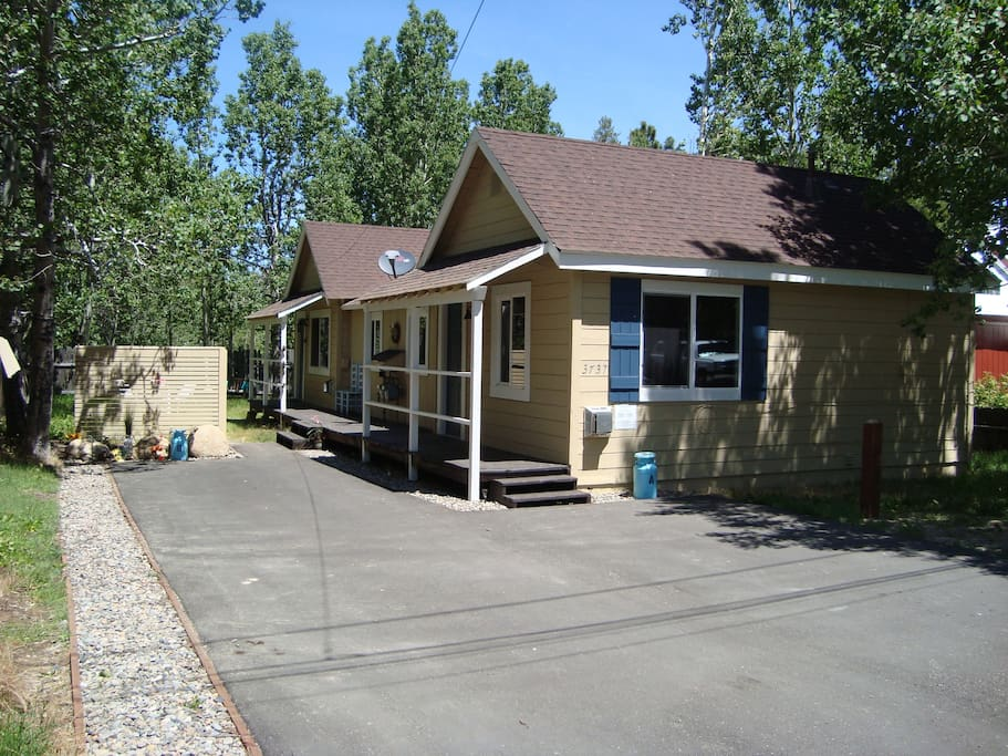 Bungalow a near heavenly casinos cabins for rent in for Airbnb cabins california