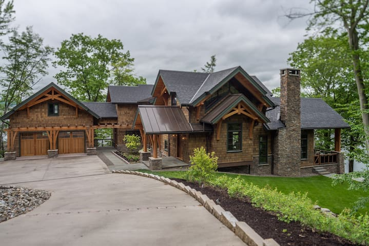 Dramatic Lakefront Timberframe Home