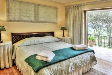Springgrove Luxury Cottage 2