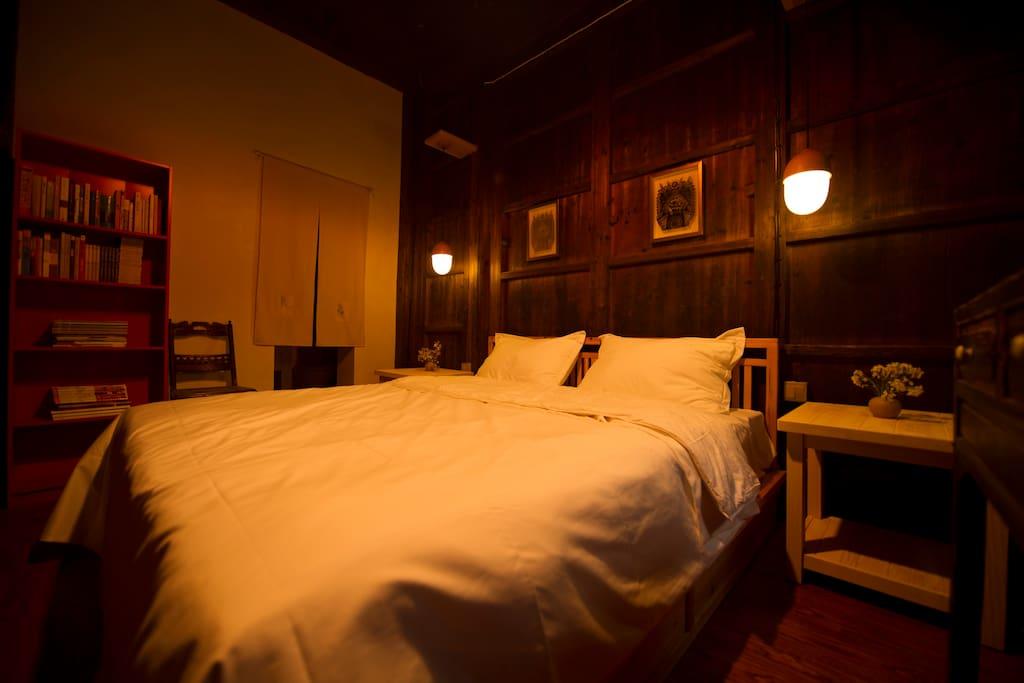 作述堂的卧室。