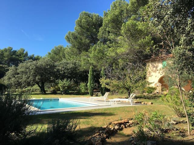 Mas Aix-en-Provence Vue Sainte victoire