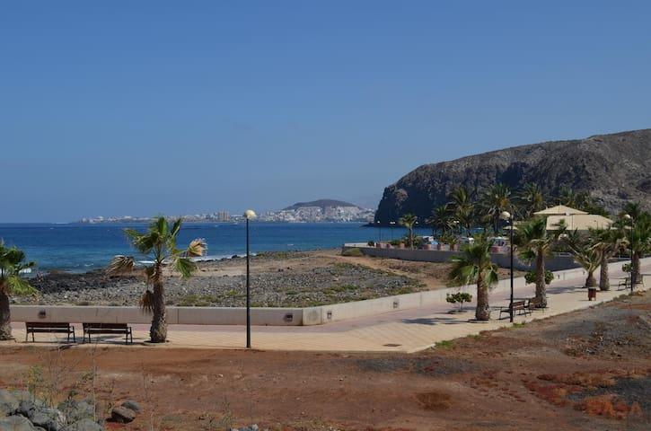 Tenerife el palmar los cristianos golf court for Appartamenti affitto tenerife