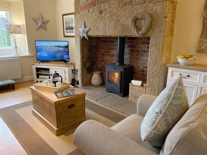 Award winning Dove Cottage nr Warkworth 4*Gold