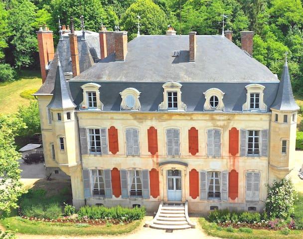 Budget vriendelijk kasteel, luxueus met privacy