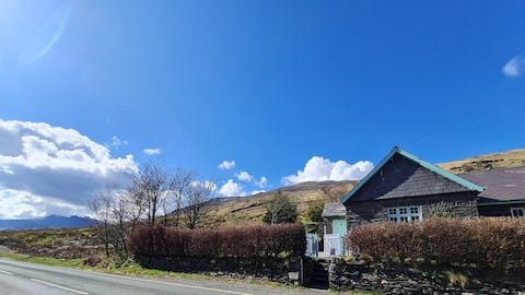 Cosy Cottage in the Heart of Snowdonia