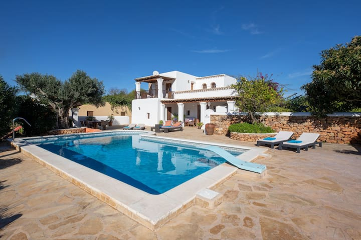 Cosy Finca with Pool, Tennis Court and Football Field - Can Gat Ibiza