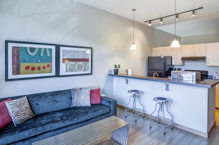 Incredible apartment home | 1BR in Portland