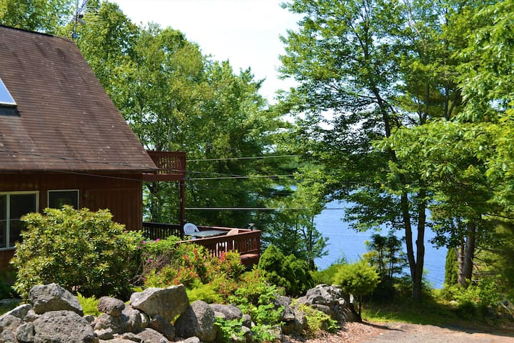 Yes, the setting doesn't get much better than this! Why not have your morning coffee on your own private balcony overlooking the pond?!