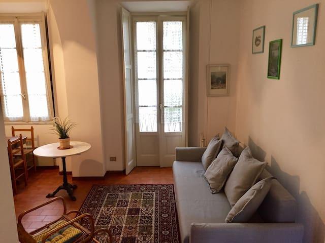 Elegan apartment for four - Griante - House