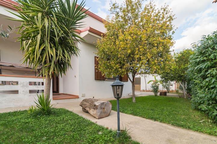 Una grande casa nel cuore del Sulcis - Villaperuccio - Vila
