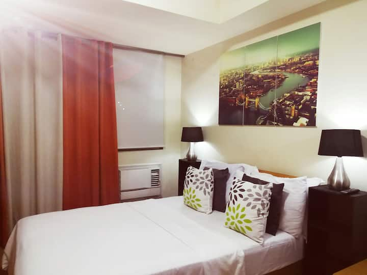 AZURE 1BR Homey and Cozy 20mins from Airport