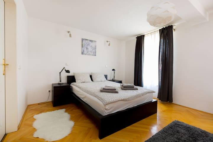 Liszt Ferenc Ter Inner-City Flats (1)