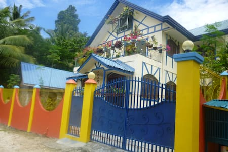 Rooms in a beach house close to Samal resorts - Island Garden City of Samal - Villa