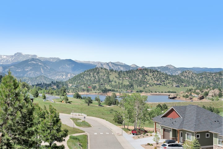 Mount Chiquita 10A - 2 Br condo with private hot tub, Marys Lake and mountain views!