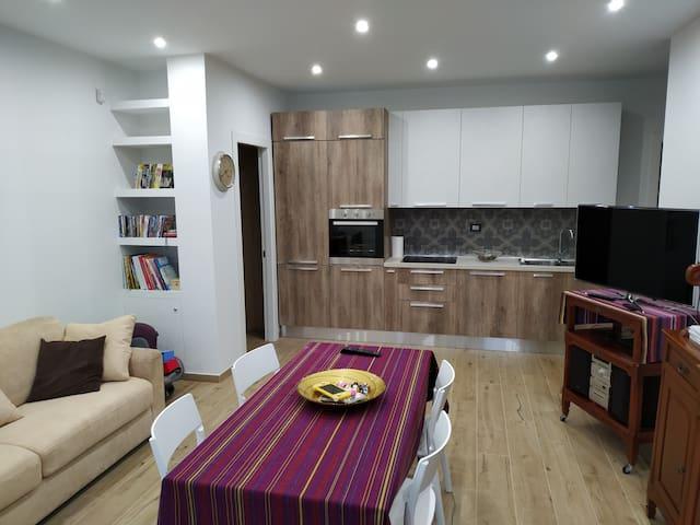 Splendido alloggio autonomo in villa con giardino