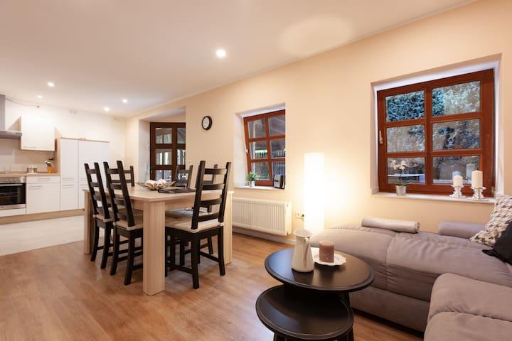 Schöne Wohnung im Bergischen mit guter Anbindung