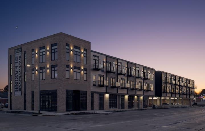 Modern Studio Steps From Downtown Cedar Falls!