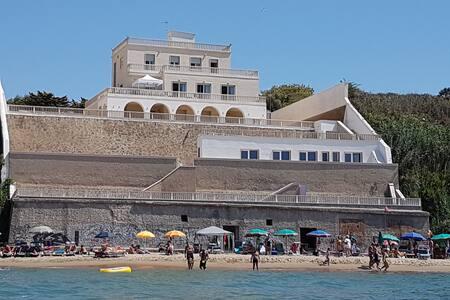 B&B Il Paradiso sul mare - stanza Palmarola - Anzio - Penzion (B&B)